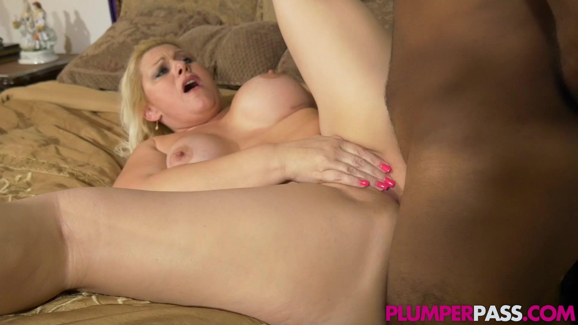 Plumper Pass – Selah Rain Party In Her Mouth