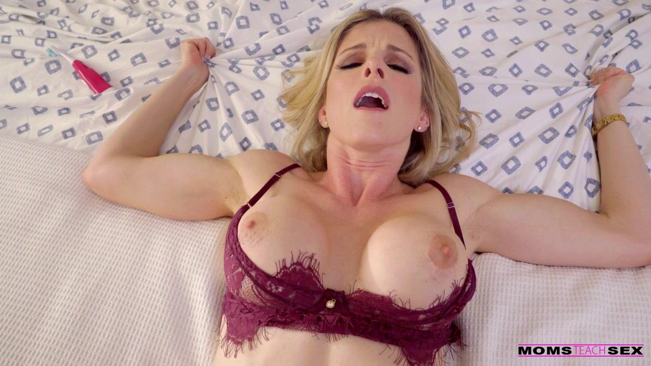 Moms Teach Sex Cory Chase